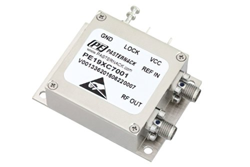 1,000 MHz Phase Locked Oscillator, 10 MHz External Ref., Phase Noise -105 dBc/Hz, SMA