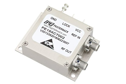 2 GHz Phase Locked Oscillator, 10 MHz External Ref., Phase Noise -100 dBc/Hz, SMA